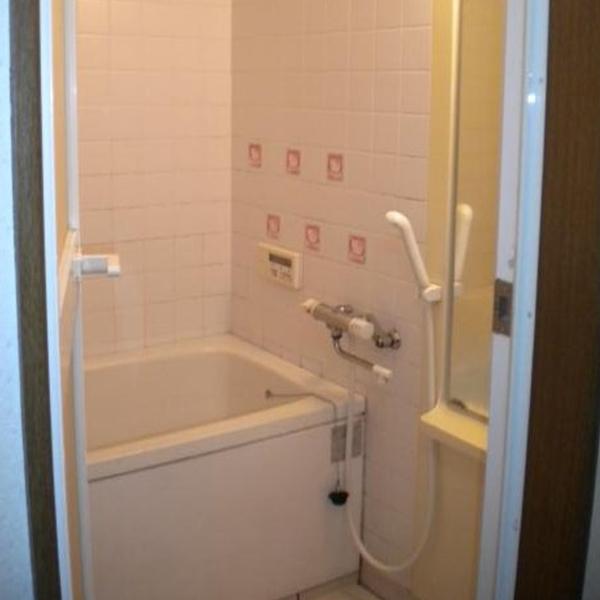タイル貼りの浴室でした。