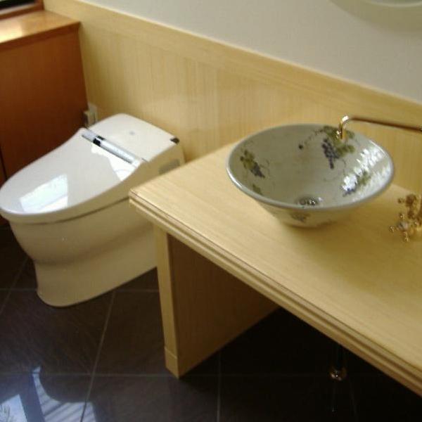 壁紙と手洗いのボウルも交換して、完成です!イメージが一新しました。