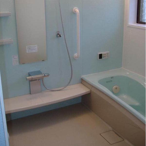 全て取り替えた浴室は清潔でスッキリ。オプションで三乾王・ブローバスも付けてすごく快適と喜んでもらえて嬉しかったです。