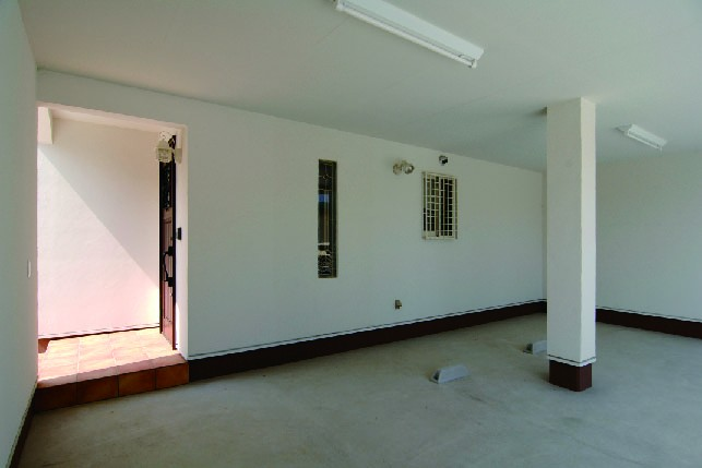 勾配天井で開放感の感じられる家
