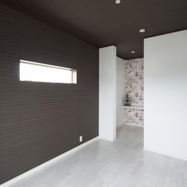 寝室はトーンを落として落ち着いた内観のイメージに。