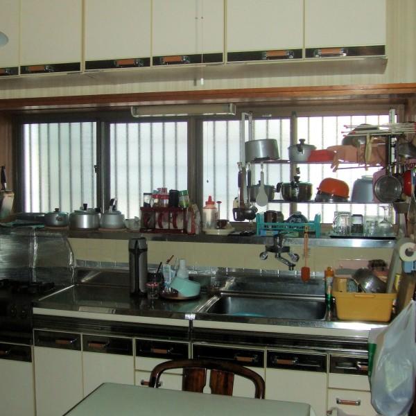 キッチンスペースが狭くお料理するのが不便でした。