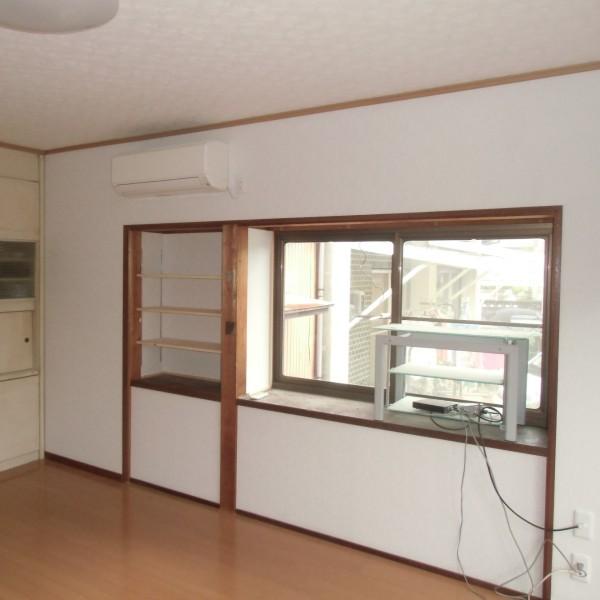 窓下の収納をなくし、棚も新しくしたのですっきりしました。