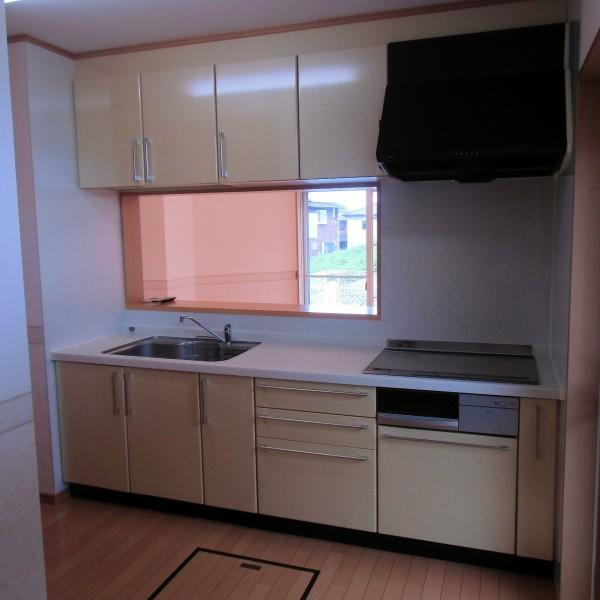 アイランド型のキッチンが欲しいとのご要望を頂きました。