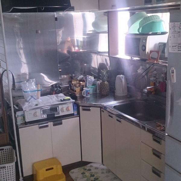 L型のキッチンで調理スペースが少ないことが悩みでした。