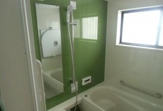小さな浴室でも最新のユニットバスに