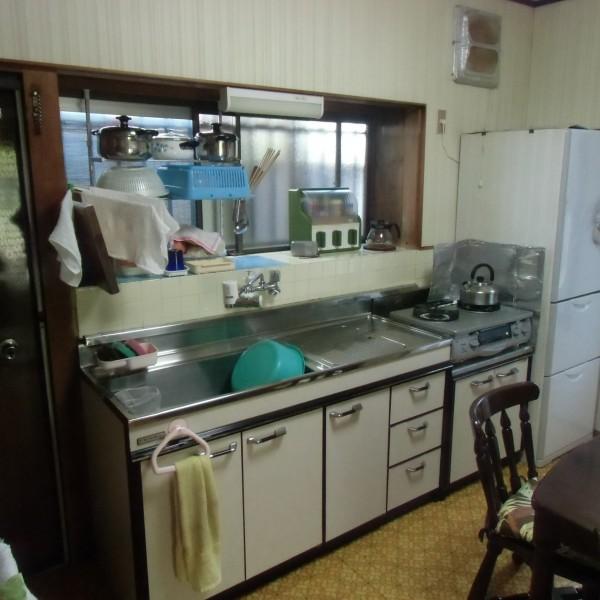 昔ながらのキッチンでした。