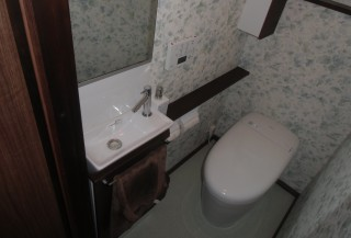 タンクレストイレですっきりした空間に