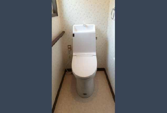 優しい色合いのリラックスできるトイレ