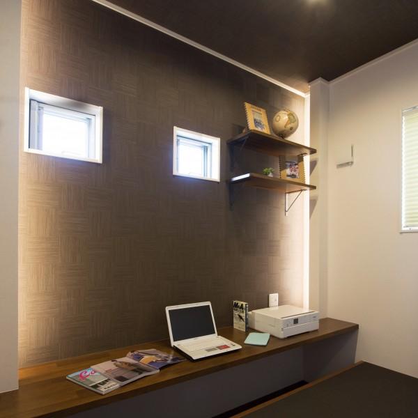 趣味や仕事を和モダンな空間で過ごす贅沢な3帖の書斎。
