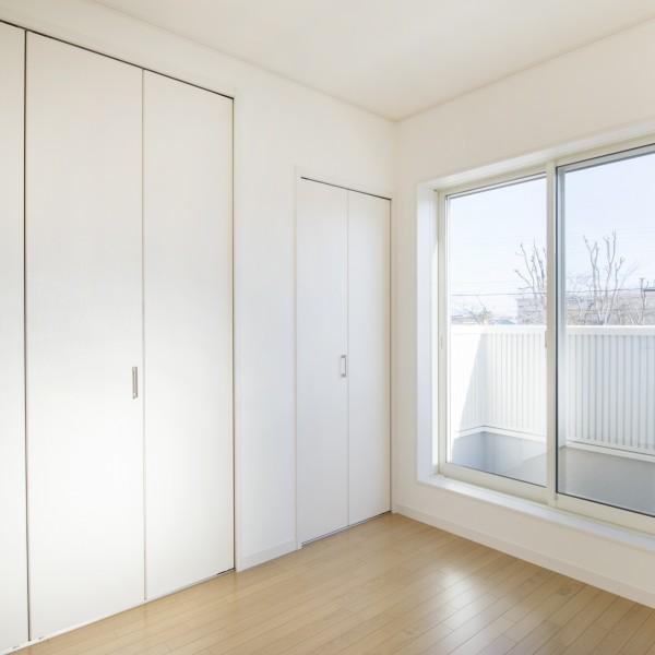 2階の個室にも陽の光がよく入ります。