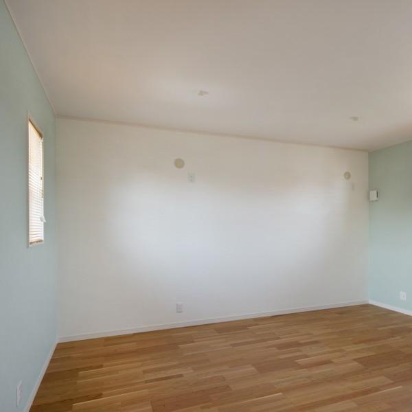 将来的に2部屋に区切れるようになっている子供部屋。