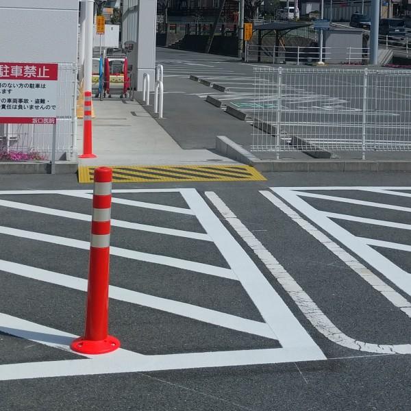 フェンスも少しカットして通路を広げました。